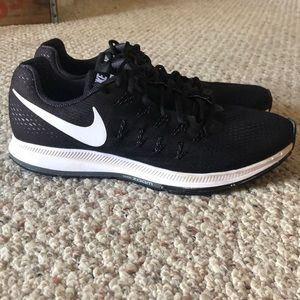 Nike Zoom Pegasus 33 Men's shoe